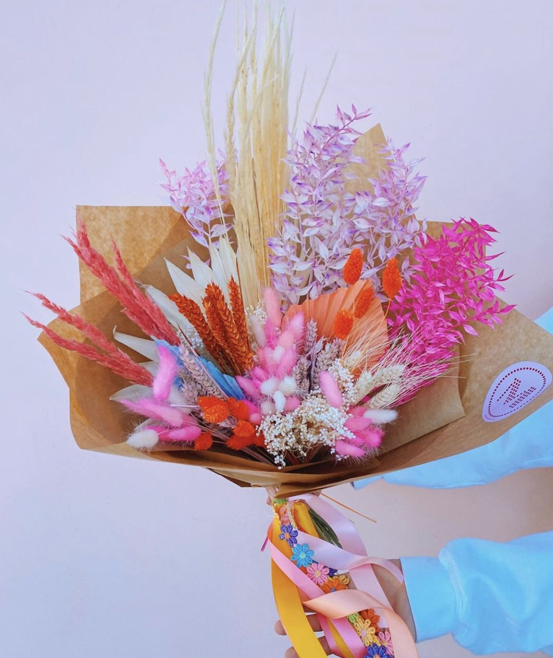 Mud Urban Flowers Glasgow Edinburgh In 2020 Dried Flower Bouquet Flower Delivery Flower Subscription