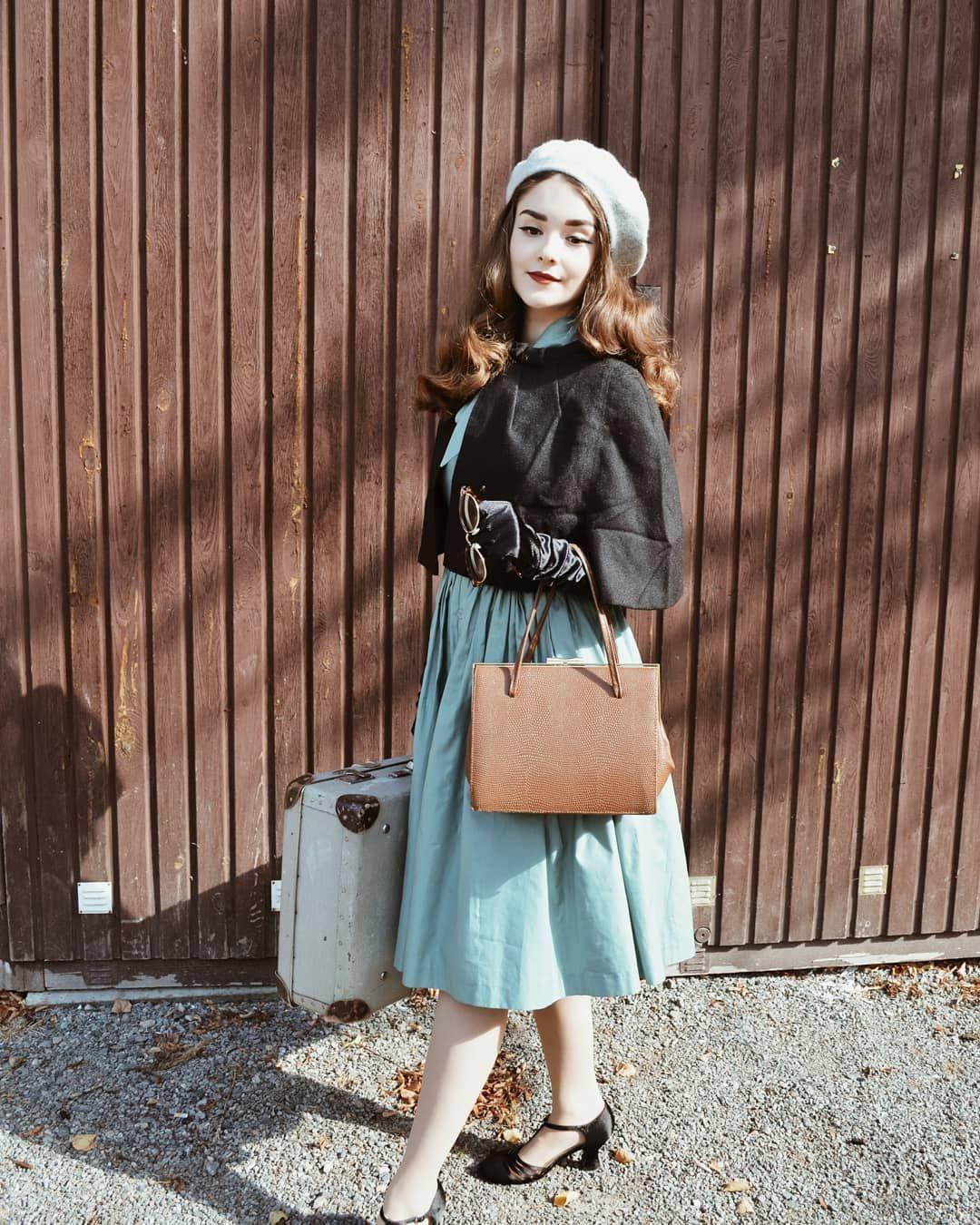 Shirinatra Looks Beautiful Rocking This Stunning Vintage Look Vintage Inspired Fashion Retro Fashion Girly Fashion
