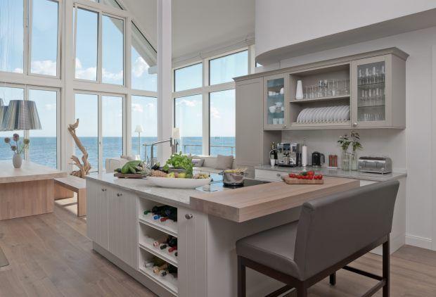 Wohnzimmer Mit Offener Küche Im Ferienhaus