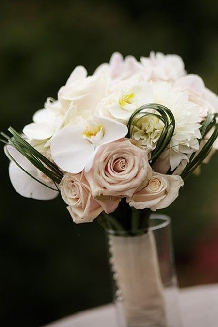Gorgeous October Wedding flowers table decor, October wedding ...