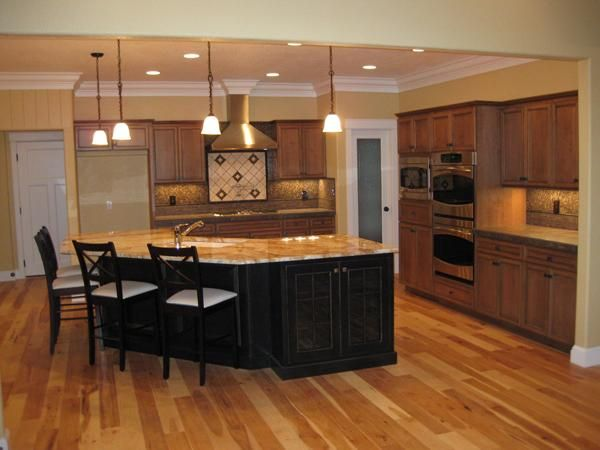 Google Image Result for http://www.houseplangallery.com/index_files/main_files/HPG-2755-1/PHOTO-Interior-Kitchen.jpg