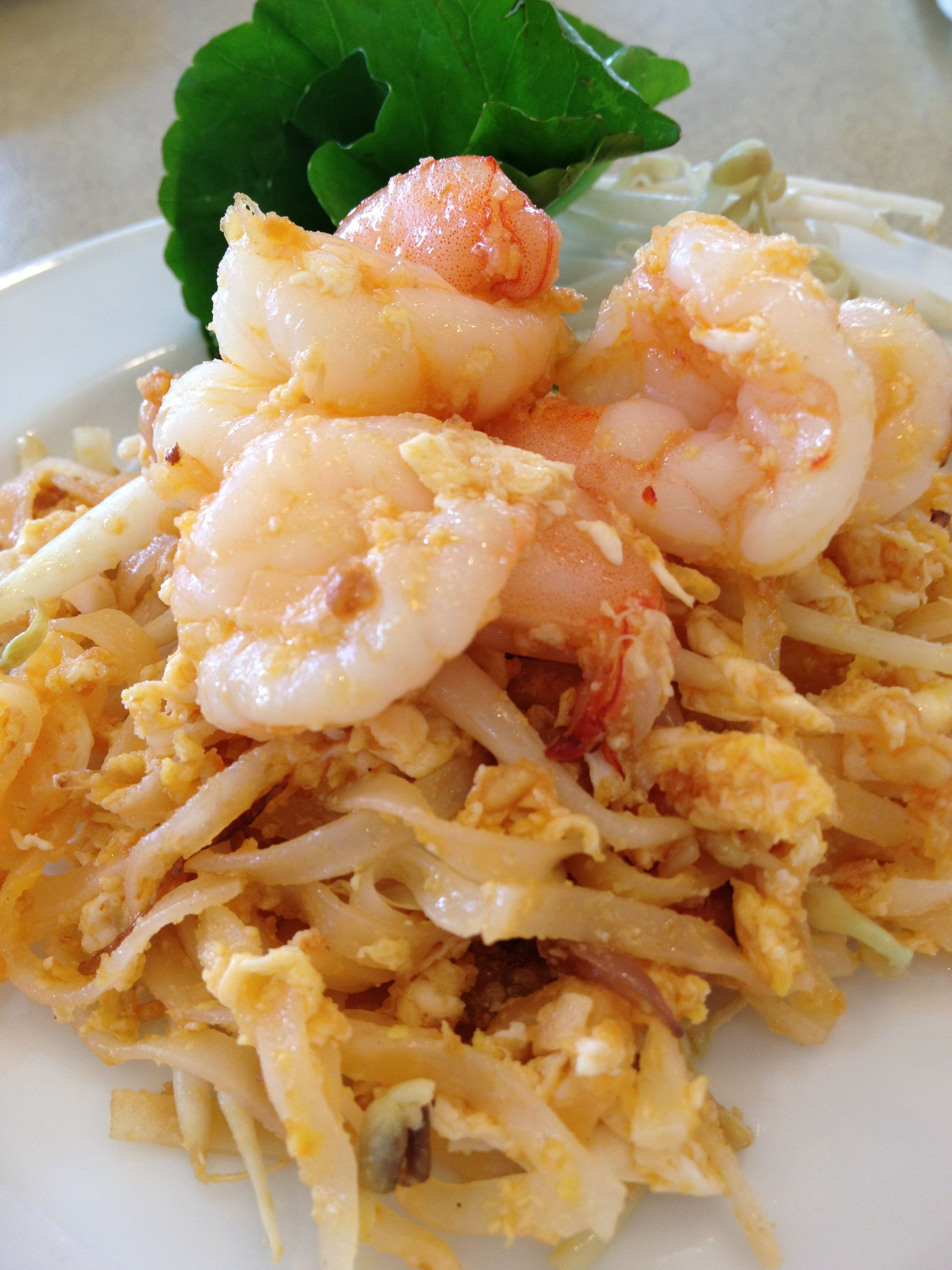 Pad Thai Stir Fried Rice Noodle With Tamarind Sauce And Prawns