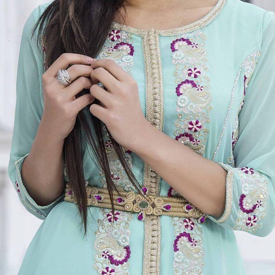 يا صدفه اختلفت عن باقي الصدف يا نعمه جتني من سابع سما حياكم الله قفطان أروى الخليج قطريات مبدعا Moroccan Clothing Moroccan Dress Moroccan Fashion