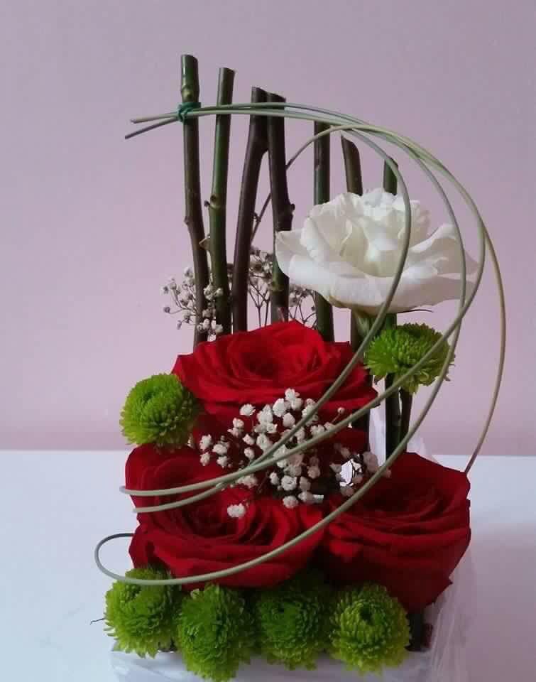 Hübsches Blumen-Arrangement