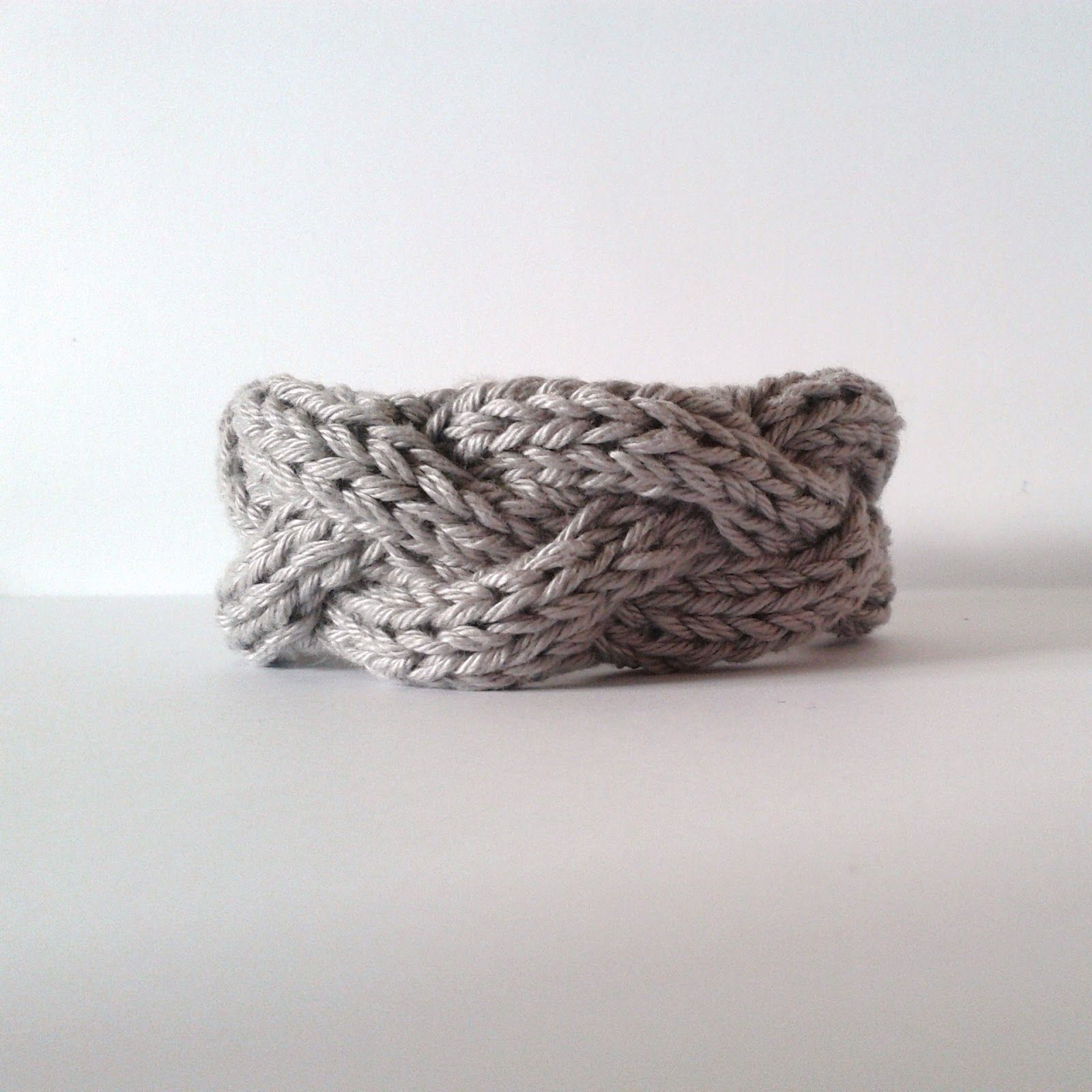 DIY: knit bracelet | knitting | Pinterest | Trenzas tejidas ...