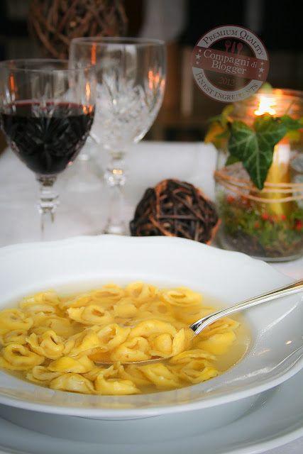 Tortellini in brodo di cappone cucina italiana for Cappone ricette cucina italiana