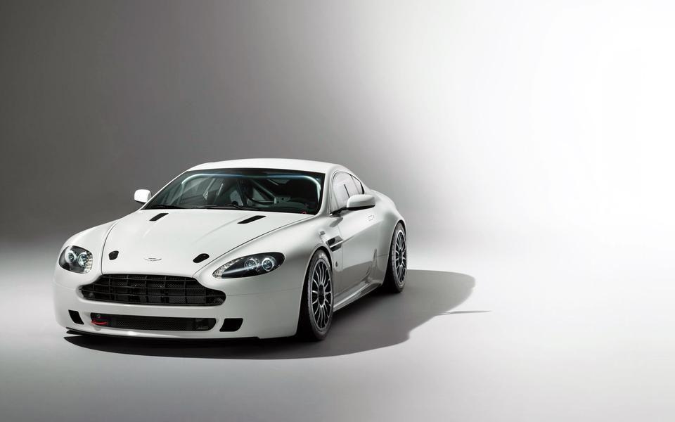 Pin On Autos Aston martin vantage wallpaper hd