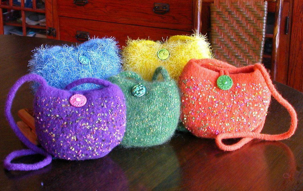 By Diane Sutliff From Felted Handbag Work Comes This Lovely Balloon Find The Free Knitted Pattern Here Link