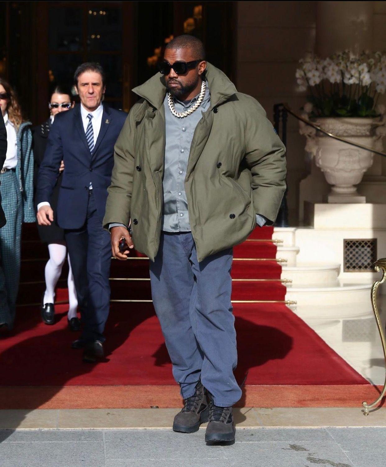 Pin By Wardba On Kanye West In 2020 Kanye West Bomber Jacket Fitness Inspo
