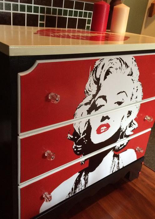 $250 Marilyn Monroe dresser   wwwedottawa/p
