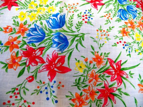 "VIntage Cotton Fabric-60"" x 40""-Bright Floral Print/Crisp White-SO Cottage Chic!"