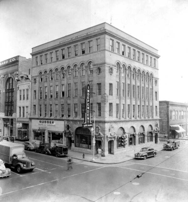 The Independent Life Building In Jacksonville Florida 1946 Photo By Spottswood Florida Memory Florida Hotels Jacksonville Florida Jacksonville Fla