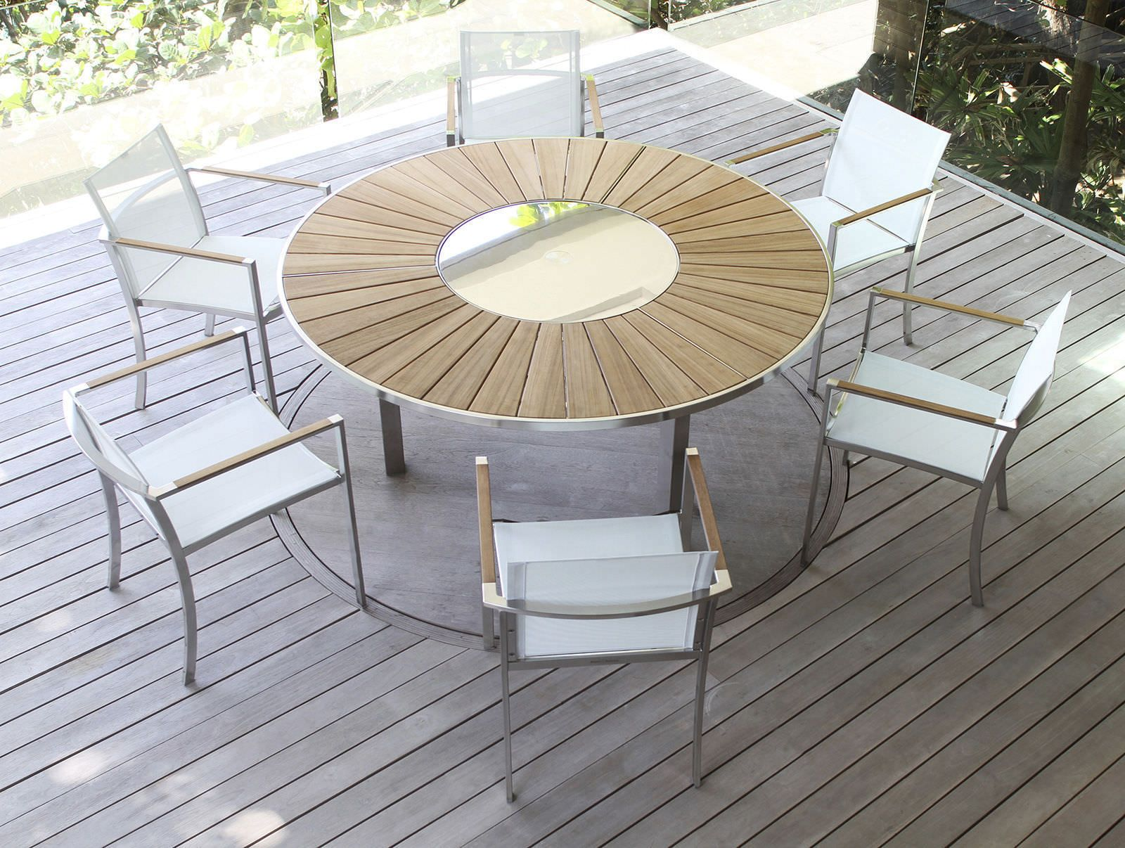 Table contemporaine de jardin ovale ronde ozn 240 for Mesas para jardin con sombrilla