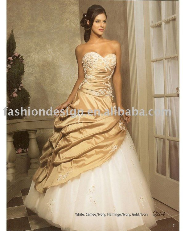 Gold ball gown. Gorgeousness! | Military Love | Pinterest | Róby ...
