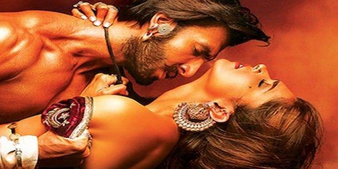 Deepika Padukone Hot Kiss Wallpaper 3d Wallpapers Best Hot Hd
