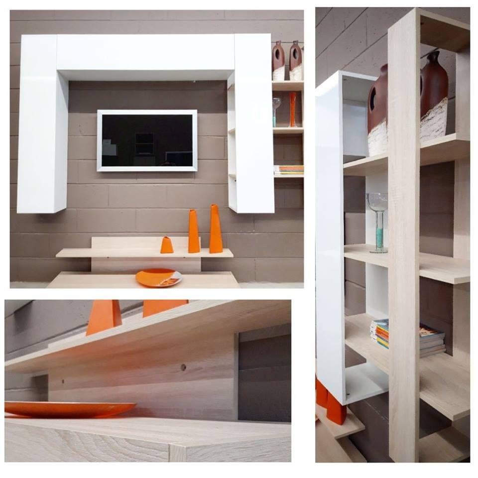 Parete soggiorno moderna con libreria sospesa   Pareti ...