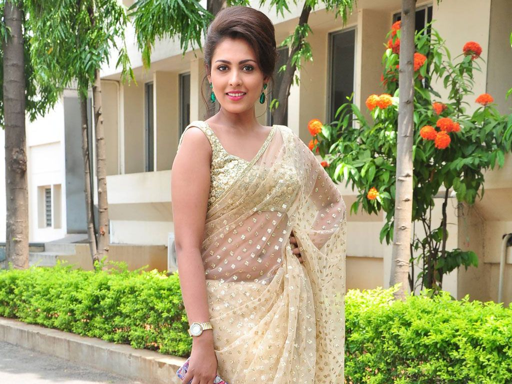 Madhu Shalini Nude Photos Ele madhu shalini beautiful wallpaper | hot indian actress & girls