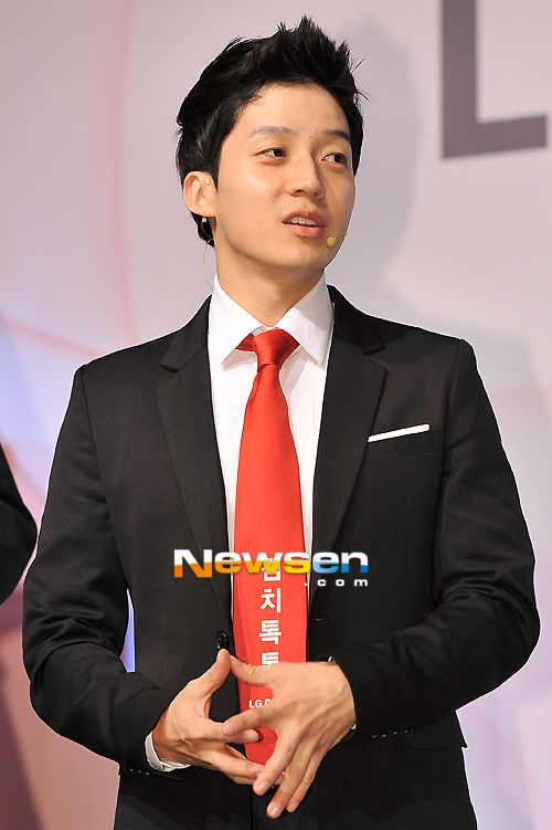 Comedian Heo Kyung Hwan S Current Income Is 500 Times His Income From 6 Years Ago Comedians Current Years