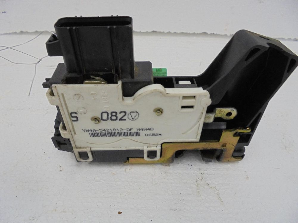 Ford Escape Right Front Door Latch Power Locks 4w4z5421812b 01 02 03 04 Smart Door Locks Door Latch Ford Escape