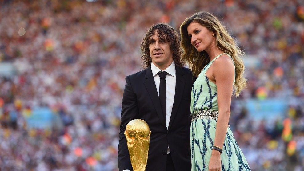 Gisele Bundchen S Special Day World Cup Trophy Fifa Gisele Bundchen
