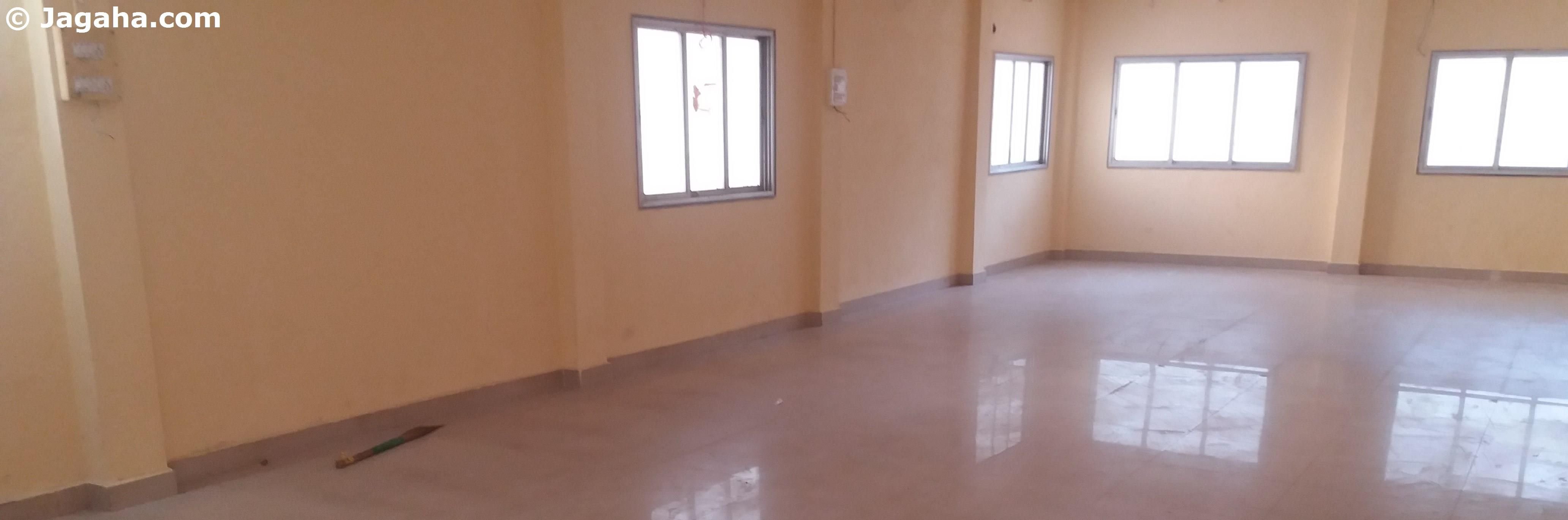 Property And Building Inquire About This Office Space For Rent This Commercial Property Is Available For Rent In Go Modern Office Space Office Space Property