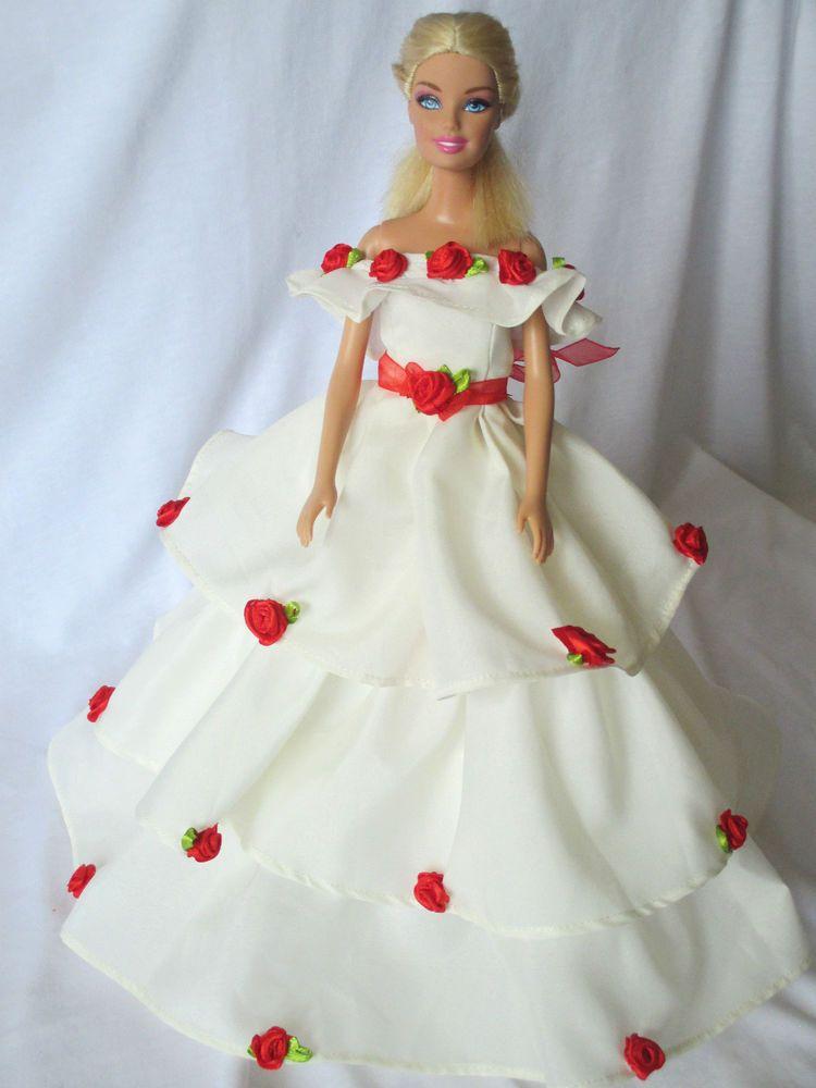 Rosen verziertes Brautkleid / Ballkleid mit mehrstufigien Rock für ...