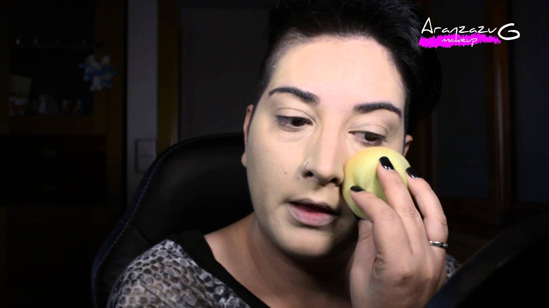 Se que hoy día hay una gran variedad de esponjas para aplicar el maquillaje,muchas de ellas se deterioran al poco tiempo de utilizarla,otras cuestan una pasta,esta es perfecta!!!