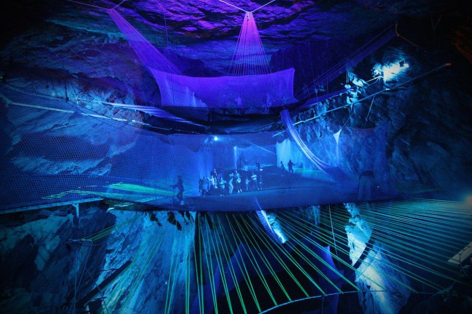 There Is A Gigantic Underground Trampoline Inside A Cave And It - Gigantic underground trampoline inside cave looks amazing