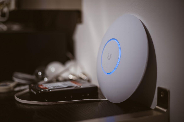 Das Problem Mit Wlan Im Ganzen Haus Unifi Accesspoints Angetestet Neunzehn72 Wlan Netzwerkkabel Haus