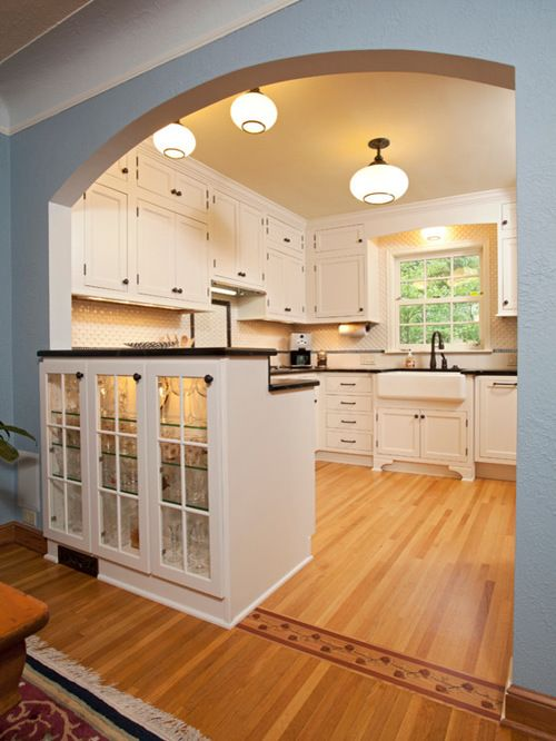 1940s Style Kitchen Houzz Bungalow Kitchen Home Remodeling Kitchen Layout