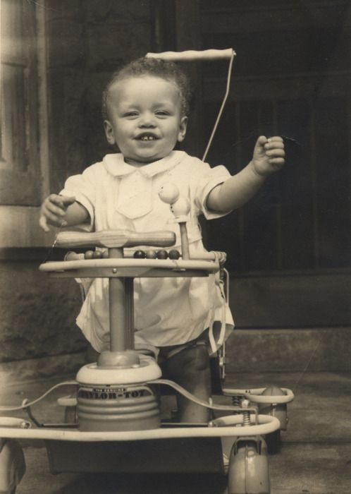 Vintage Bw Photos----Doesnt This Cute Baby Look Like -7209