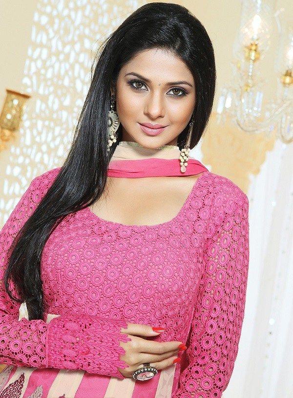 Jennifer Winget Height Weight Bra Size Body Measurements Celebwikis Beautiful Indian Actress Most Beautiful Indian Actress Beautiful Girl Indian