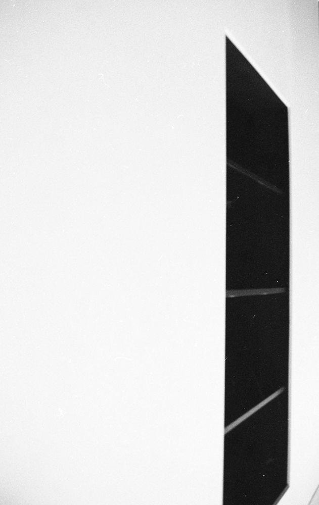 white | black | shelves | apartment | interior | design