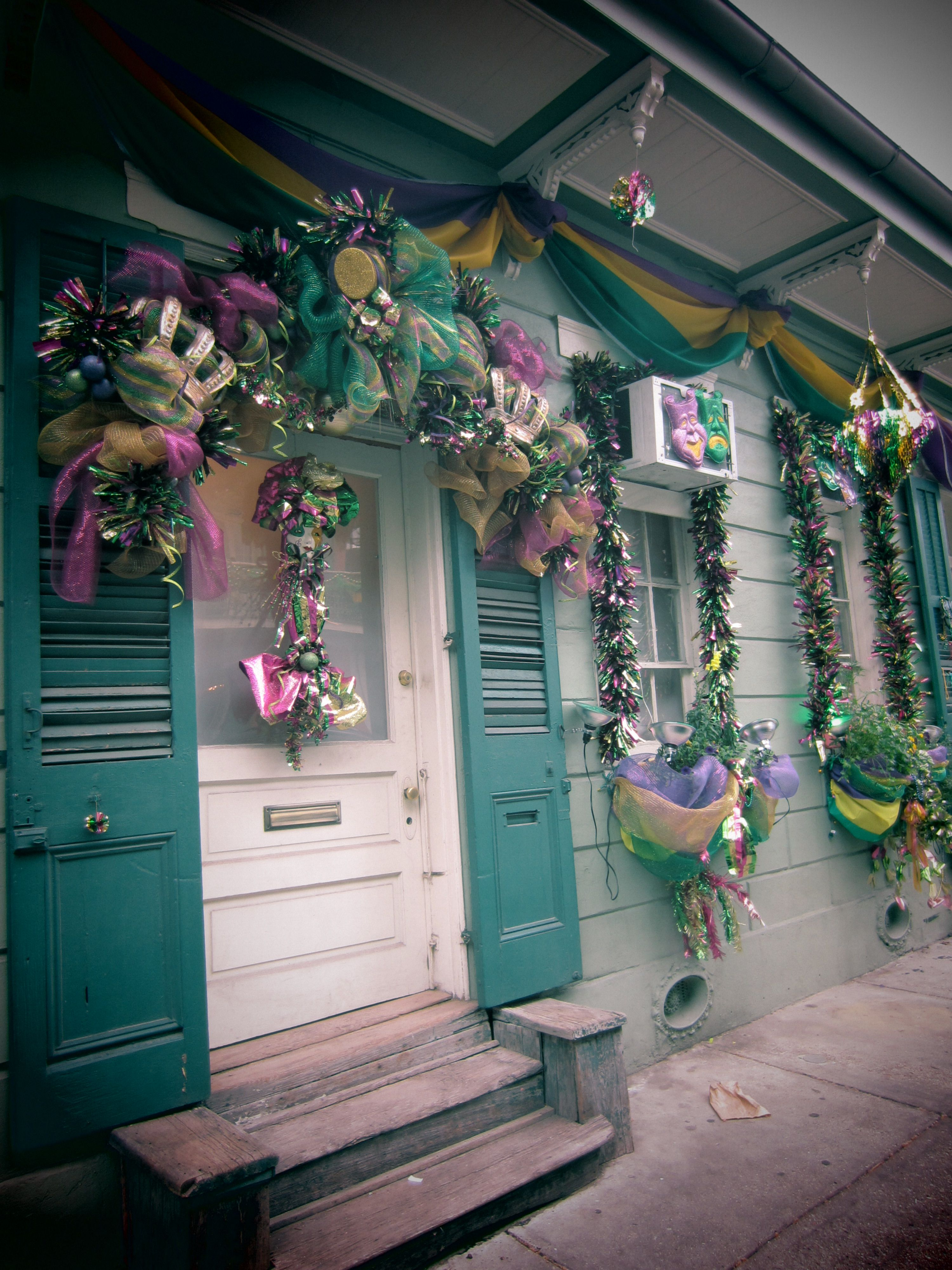 Mardi Gras House Decorations Ideas Visit Our Blog At Www Zdhomes For Interesting