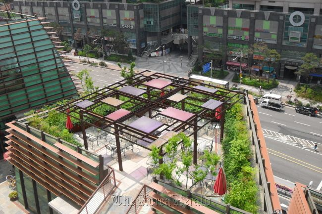 Rooftop Cafe At D Cube City A Shopping Mall In Seoul S Western