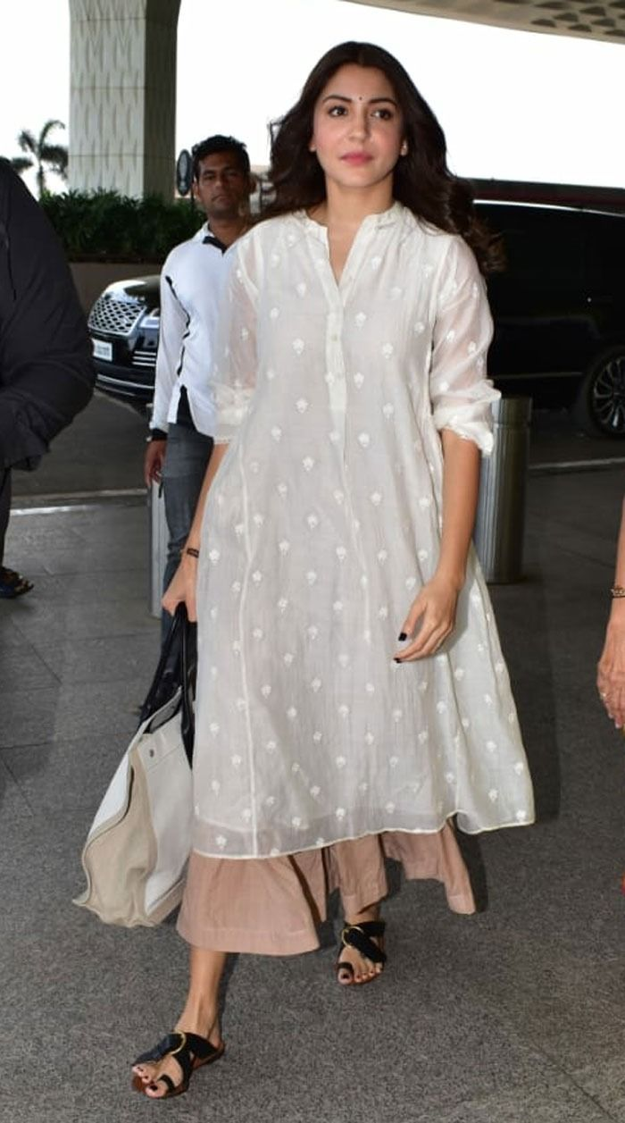 Anushka Sharma is a fan of comfort and ease. Casual outfits take the majority of the space in her wardrobe. Her cotton chikankari kurtas are a fashion favorite for their timeless appeal. She has been seen pairing pastel-colored kurtas with distressed denim, or with palazzo pants.