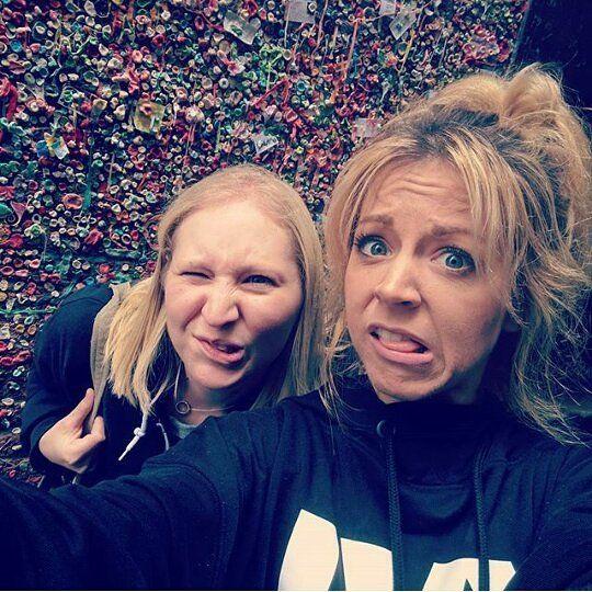 "Queen Lindsey❤ (@everlasting_stirlingite_) på Instagram: ""Linds, you're too funny, and cute!! (From @adinaf25 )"""