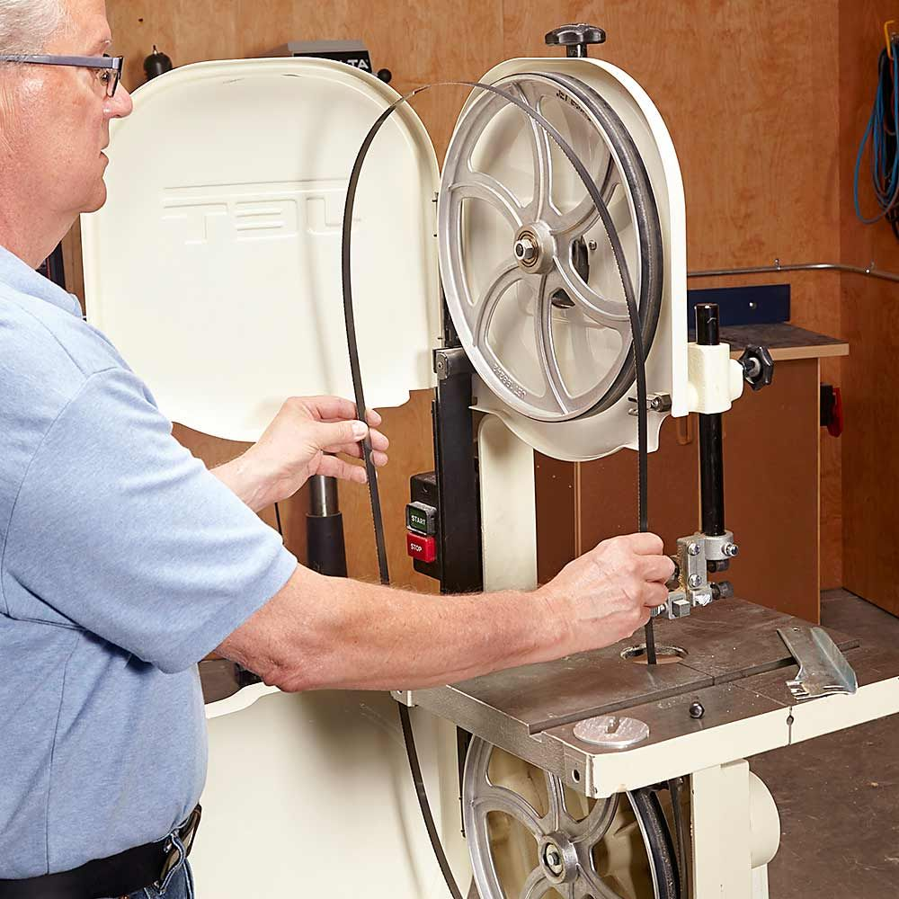 How to use a bandsaw essential bandsaw tips tricks blade how to use a bandsaw essential bandsaw tips tricks greentooth Choice Image