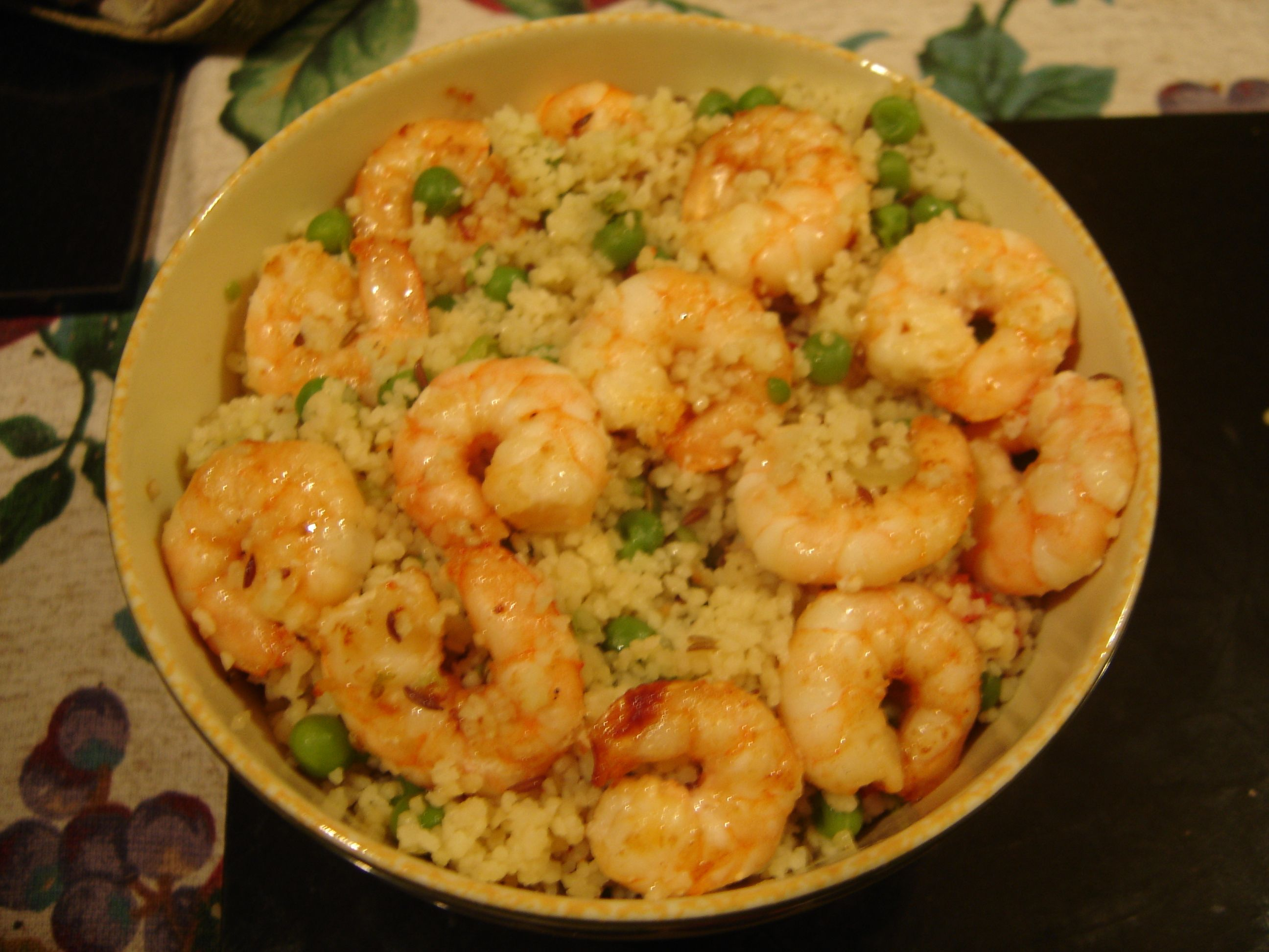 Prawns and rice with peas.
