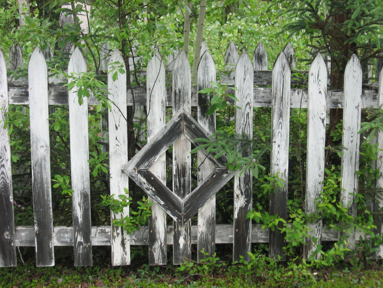 Cemetery Fence, British Columbia. Halloween yard, Garden
