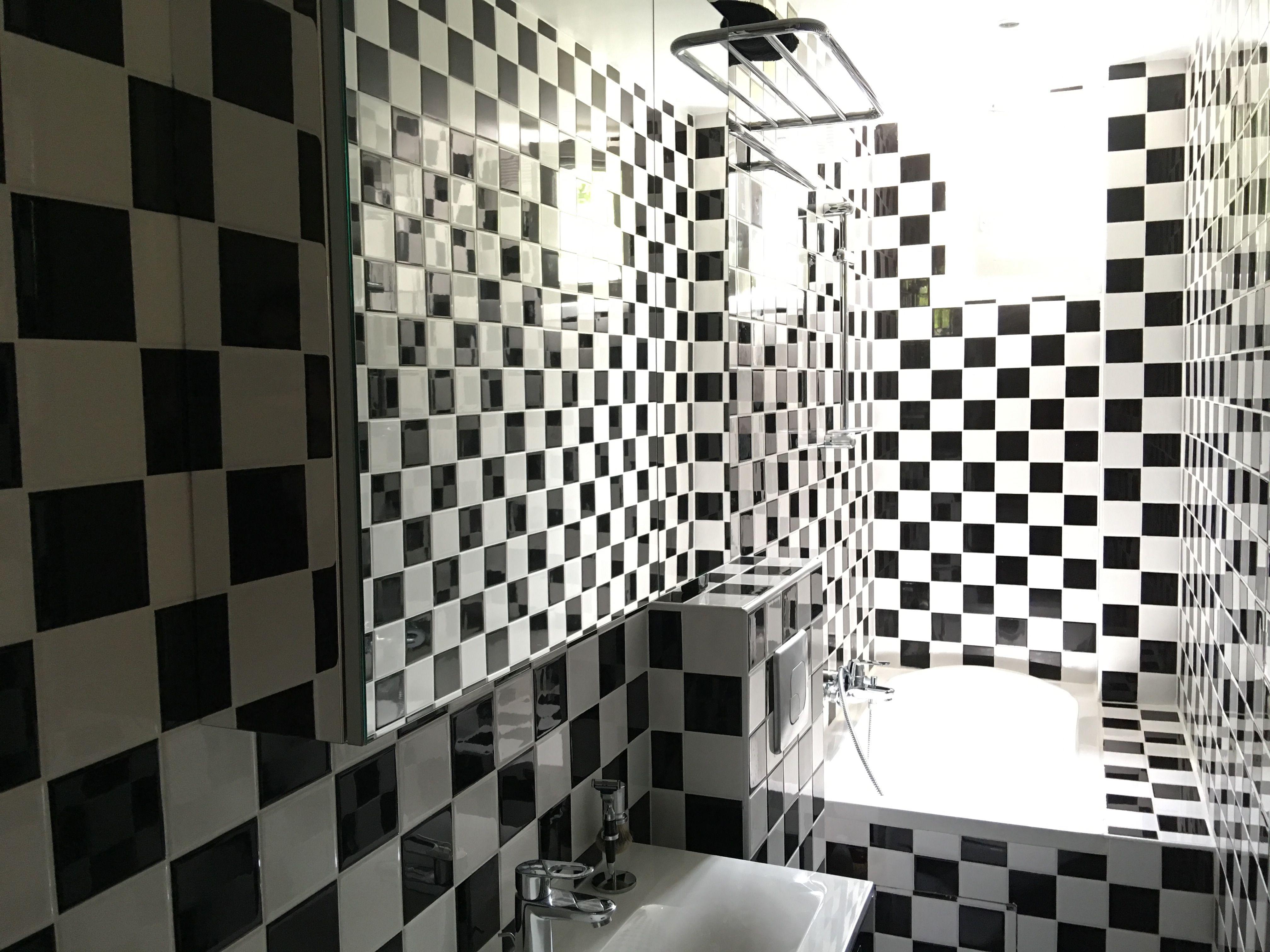 Ma salle de bain en damier  Salle de bain, Damier, Bains