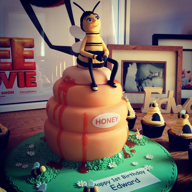 Amazing Bee Movie Themed Cake By Yummy Treats In Hartlepool Movie Birthday Party Movie Cakes Movie Birthday