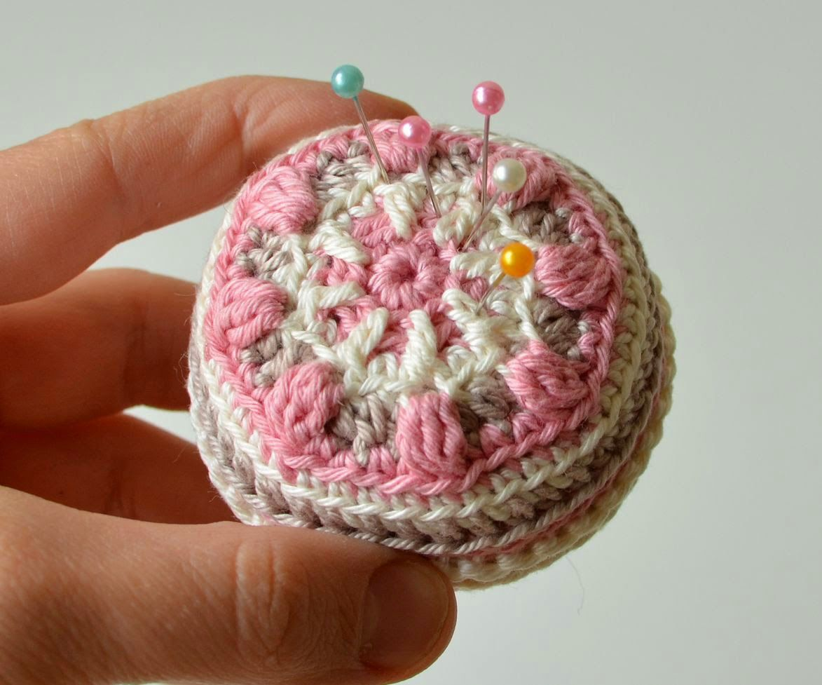 Free pattern - Macaron Pin Cushion (need to subscribe via email ...