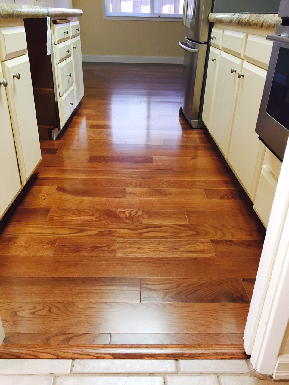 red aluminum beasley smooth oxide manor thick oak p in gunstock wide x flooring floors