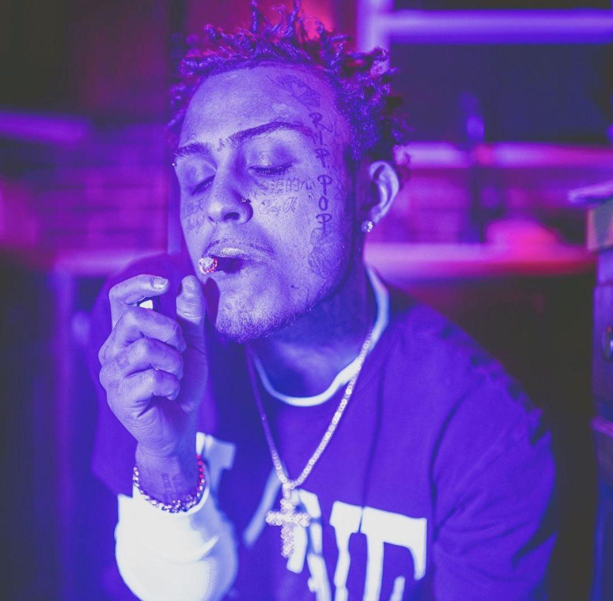 lil skies💜 in 2020 Lil skies, Musician, Purple backgrounds