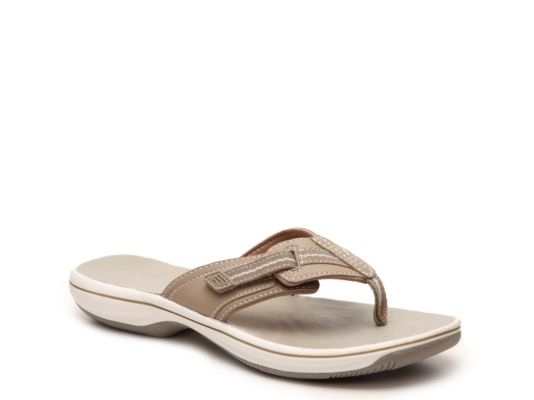 Women's Clarks Brinkley Jazz Flip Flop - Tan