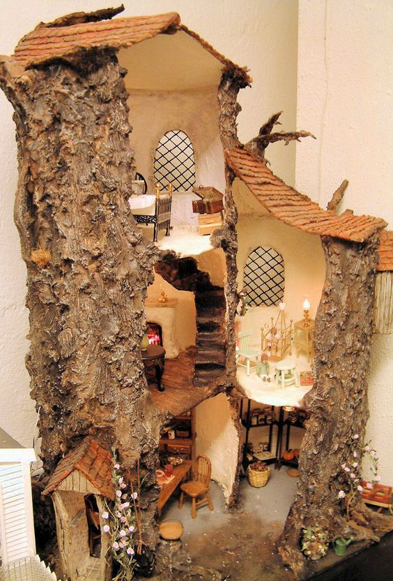 You could actually makes this rather easily with an old thick peice of bark, some popscicle sticks, plastic sheet, plaster, and then just outdoor stuff...