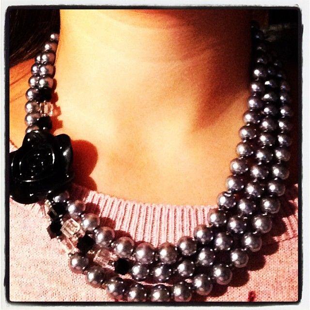Collier 2&3 Rose  Réalisé avec perles nacrées, perles PVC et en cristal (Swarovski)  By RéhaneGzy