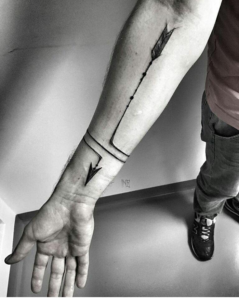 Pin By Cem Unen On Rn Tatuaje Lineas Tatuajes Dee Flecha Primer