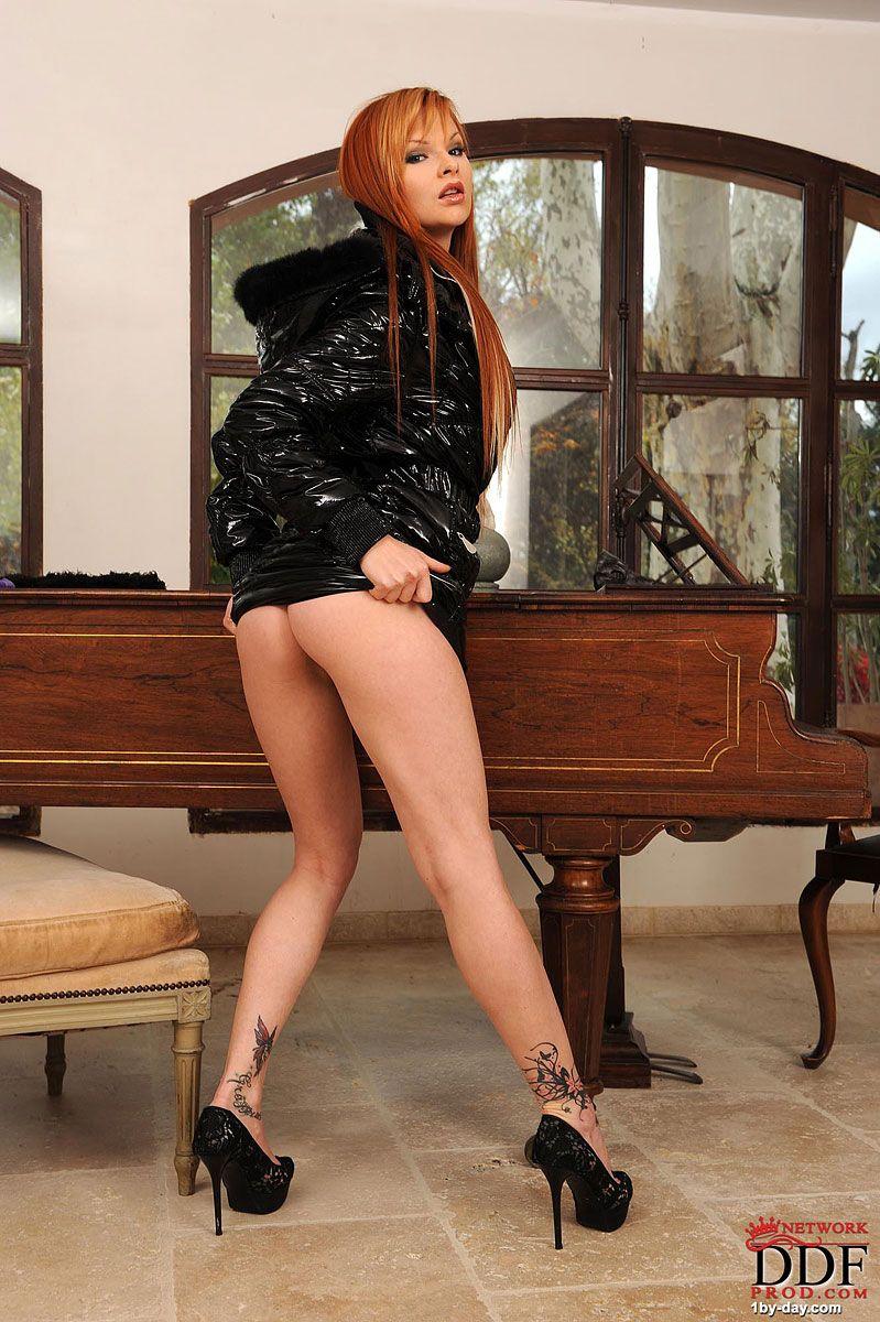 Tarra white redhead